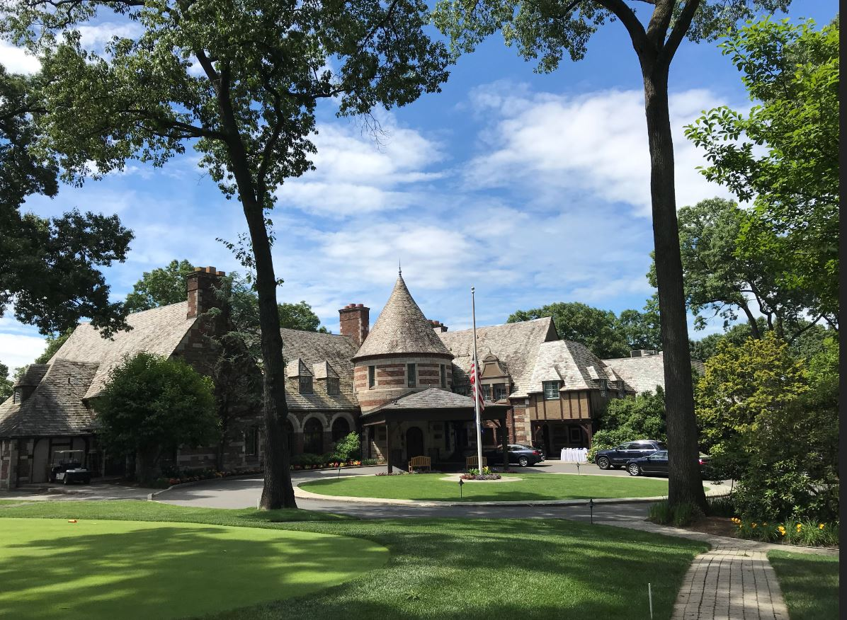 Ridgewood CC Clubhouse - from 1st tee